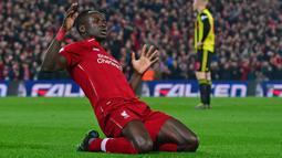 Duet Salah di Liverpool, Sadio Mane juga sukses menjadi salah satu pemain Afrika tertajam di Liga Inggris. Pemain berkebangsaan Senegal tersebut saat ini tercatat mampu mengoleksi total 100 gol dengan rincian 21 gol bersama Southampton dan 79 gol bersama Liverpool. (AFP/Anthony Devlin)