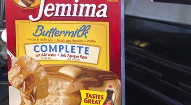 Memiliki sejarah yang didasarkan pada stereotip ras, Perusahaan AS Quaker Oats telah mengumumkan akan mengganti nama merek dari produk sirup dan bahan makanan Aunt Jemima. (Photo credit: AP Photo/Courtney Dittmar)