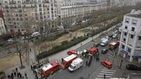 Polisi memburu pelaku penyerangan di kantor majalah Prancis Charlie Hebdo. (Reuters)