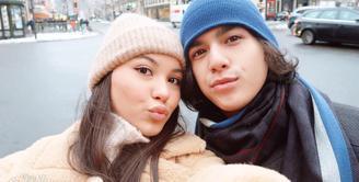Pasangan kekasih Al Ghazali dan Alyssa Daguise semakin hari semakin mesra. Terhalang jarak yang jauh tak menjadi masalah bagi keduanya. Bahkan, Al dan Alyssa selalu berhasil memamerkan kemesraannya. (Instagram/alghazali7)