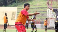Budiardjo Thalib jadi pelatih Persik menggantikan Nazal Mustofa di Liga 2 2019. (Bola.com/Gatot Susetyo)
