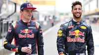 Duo pebalap Red Bull, Daniel Ricciardo (kanan) dan Max Verstappen. (Sky Sports)