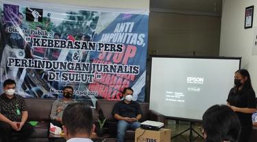 Aliansi Jurnalis Independen (AJI) Manado menggelar diskusi publik dan mengingatkan akan pentingnya perlindungan terhadap jurnalis.
