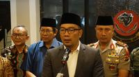 Gubernur Jawa Barat memberikan keterangan usai pertemuan dengan Forkopimda di Mapolda Jabar, Selasa (23/10/2018). (Huyogo Simbolon)