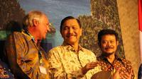 Menteri Koordinator Bidang Kemaritiman dan Investasi Luhut Binsar Panjaitan bersama Menteri Pertanian Syahrul Yasin Limpo saat acara igh Level Meeting On Green Investment Blueprint for Papua and West Papua, di Swiss Belhotel Sorong.