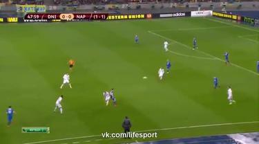 SSC Napoli gagal menembus final Piala Europa 2014/15 setelah ditumbangkan klub asal Ukrainan FC Dnipro dengan skor 1-0 (agregat 2-1).  Di final FC Dnipro akan menghadapi Sevilla yang berhasil menumbangkan wakil Italia lainnya, Fiorentina dengan agreg...