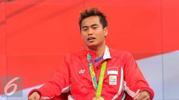 Atlet bulu tangkis Tontowi Ahmad menceritakan cerita keseruan bersama SCTV dan Liputan6.com di Jakarta, Kamis (25/8). Tontowi menceritakan ketegangan saat berlaga di final dan berhasil meraih medali emas untuk Indonesia. (Liputan6.com/Angga Yuniar)