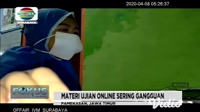 Akibat pandemi virus corona atau Covid-19, sekolah di Pamekasan, Jawa Timur diliburkan, tetapi bagi siswa kelas XII tetap wajib mengikuti latihan mengerjakan soal-soal ujian, secara online menghadapi UNAS 2020.