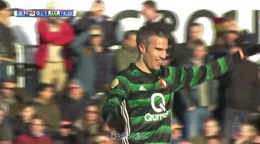 Feyenoord meraih kemenangan tipis 4-3 atas PEC Zwolle berkat penampilan Robin Van Persie yang menginspirasi rekan setimnya. Di 10 ...