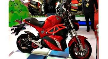 Okinawa Scooters rilis motor listrik bergaya Ducati Monster. (Financial Express)