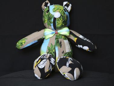 Boneka Beruang untuk Kenang Pasien Covid-19
