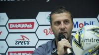 Pelatih Persib Miljan Radovic tetap membela pasukannya usai dijalahkan Tira-Persikabo. (Huyogo Simbolon)