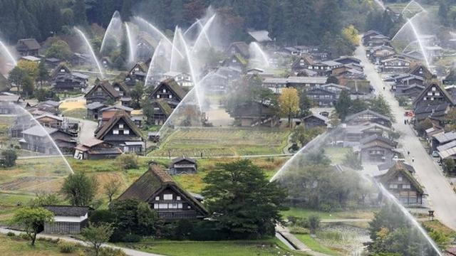 Diakui UNESCO, Ini Desa Shirakawa-go yang Punya Pemadam Api Terunik di Dunia
