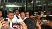 Akyar juga mengaku, sebagai orang nomor dua di lingkungan Pemerintahan Kota (Pemko) Medan, belum bisa membuat langkah lebih lanjut terkait Dzulmi Eldin yang terjaring OTT Lembaga Anti Rasuah.