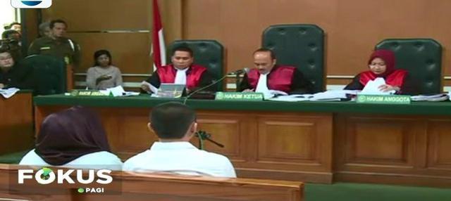 Pemilik biro umrah First Travel, Andika Surachman dan istrinya, Anniesa Hasibuan, akhirnya dijatuhi hukuman 20 dan 18 tahun penjara. Tapi, jemaah merasa kecewa. Apa sebabnya?