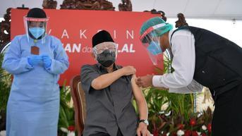Pastikan Vaksin Covid-19 Aman untuk Lansia, Menkes Minta Warga Contoh Wapres Ma'ruf