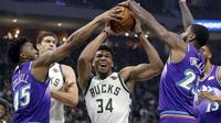 Giannis Antetokounmpo membantu Bucks kalahkan Jazz di laga NBA (AP)