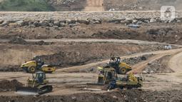 Aktivitas pekerja proyek pembangunan Bendungan Ciawi dan Sukamahi di Ciawi, Kabupaten Bogor, Jawa Barat, Jumat (3/9/2021). Menteri Pekerjaan Umum dan Perumahan Rakyat Basuki Hadimuljono mengatakan pada 2021 akan diselesaikan proyek 13 bendungan di Indonesia. (Liputan6.com/Herman Zakharia)