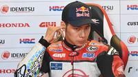 6. Takaaki Nakagami (LCR Honda IDEMITSU) - Pembalap asal Jepang ini finis di posisi ke tujuh balapan MotoGP Styria 2020. Hasil tersebut membuatnya menempati posisi enam klasemen sementara dengan 46 poin. (AFP/Joe Klamar)