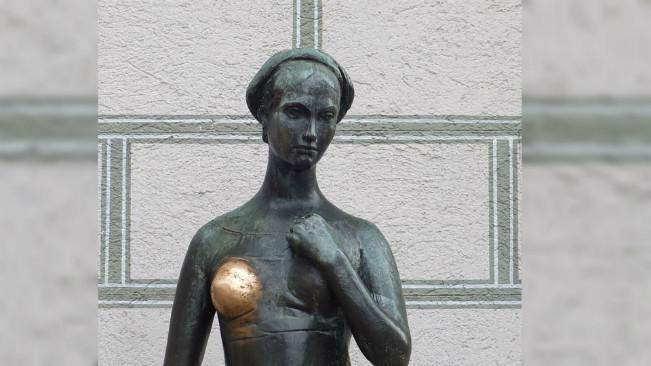 Patung Julia di Marienplatz, Muenchen, Jerman. (Sumber Wikimedia Commons)