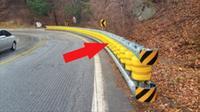 Pembatas jalan dengan rol plastik seperti ini memiliki banyak keunggulan. Apa saja?