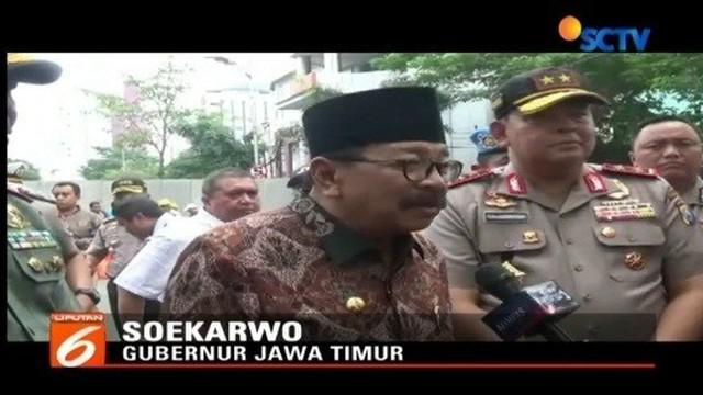 Usai amblesnya Jalan Raya Gubeng Surabaya, Gubernur Jatim Soekarwo, meninjau langsung lokasi. Gubernur menyatakan, tim ahli lebih berkompeten menjelaskan kejadian tersebut.