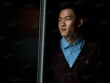 Sutanto Tan bermimpi bisa meneruskan kisah legendaris pesepak bola keturunan Tiongha, Tan Liong Hou. Idolanya itu dahulu juga bermain di Persija dan sempat memperkuat Timnas Indonesia di Olimpiade 1956. (Bola.com/Vitalis Yogi Trisna)