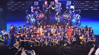 Pembalap Yamaha, Valentino Rossi mendapat kejutan di Vietnam (Twitter)