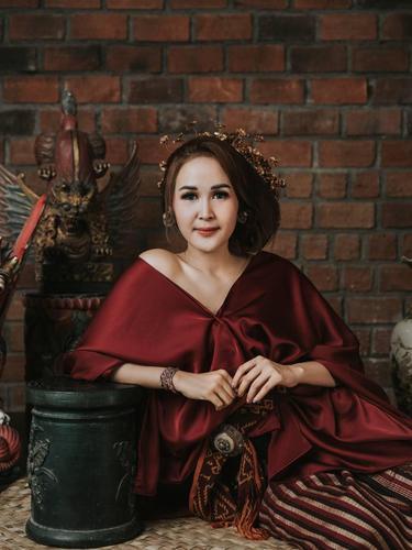 Arik Cahya Dewi, MUA Hits Bali yang Populer di Kalangan Selebritis