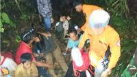 Sebanyak 22 orang pelajar dan 1 pembina pramuka  SMPN 2 Kolaka, dikabarkan hilang di Hutan Kea-kea, Kelurahan Mangolo Kecamatan Latambaga, Kolaka pada Minggu (10/2/2019). (Liputan6.com/Ahmad Akbar Fua)