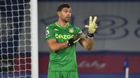 2. Emiliano Martinez (Aston Villa). Kiper asal Argentina berusia 28 tahun ini telah membuat 11 kali clean sheets dalam 21 penampilannya selama 1890 menit. (AFP/Rui Vieira/Pool)