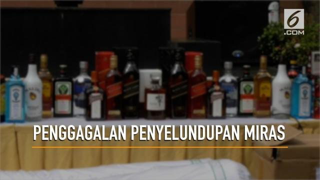 Petugas Bea dan Cukai berhasil menggagalkan penyelundupan belasan ribu botol minuman keras.