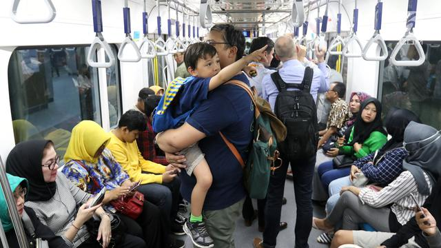 MRT Jakarta Mulai Berbayar