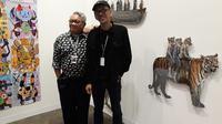 Dua seniman Indonesia Agus Suwage dan Eddie Hara (kiri) saat ditemui di ajang Art Basel Hong Kong.