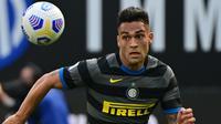 Lautaro Martinez. Striker berusia 23 tahun asal Argentina yang didatangkan dari tim Divisi Utama Liga Argentina, Racing pada awal musim 2018/2019 ini telah mencetak 15 gol dan 5 assist dalam 34 penampilannya di Liga Italia musim ini. (AFP/Miguel Medina)