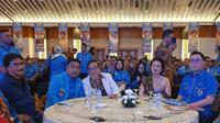 Akbar Tandjung menghadiri pelantikan pengurus KNPI yang baru.
