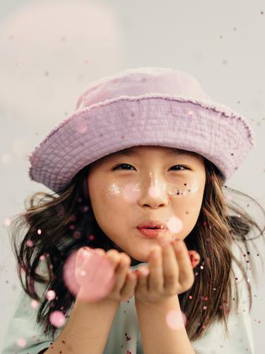 Fenomena Anak-Anak Tiongkok Ber-makeup di Usia Dini, Korban Ambisi Orangtua?