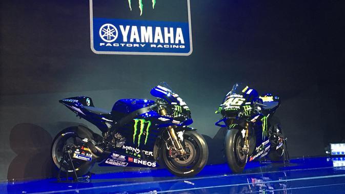 Motor Valentino Rossi dan Maverick Vinales untuk MotoGP 2019. Peluncuran motor tersebut digelar di Hotel Four Season, Jakarta, Senin (4/2/2019). (Bola.com/Benediktus Gerendo Pradigdo)