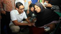 Seorang ibu tunanetra menaruh harapan kepada Sandiaga Uno sebagai pemimpin Jakarta kelak. (Liputan6.com/ Taufiqurrohman)