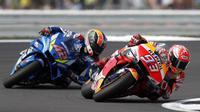 Marc Marquez menilai, kesalahan mengantisipasi kecepatan pada tikungan terakhir menjadi penyebab kekalahan di MotoGP Inggris. (AFP/Adrian Dennis)