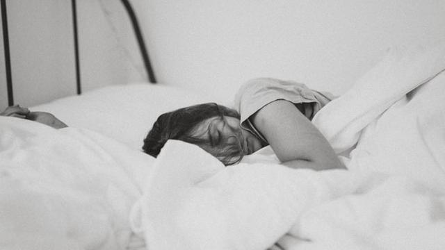 Ilustrasi orang tidur.
