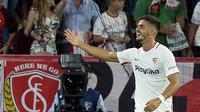 Penyerang Sevilla, Andre Silva, usai mencetak gol ke gawang Real Madrid, di Stadio Ramon Sanchez Pizjuan, Kamis (27/9/2018) dini hari WIB.  (AFP / Cristina Quicler)