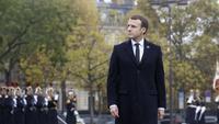 Presiden Prancis Emmanuel Macron memimpin peringatan 100 tahun berakhirnya gencatan senjata Perang Dunia I di Paris, 11 November 2018. (AP/Thibault Camus)