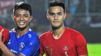 M. Rafli (kanan) saat berseragam Timnas Indonesia U-23. (Bola.com/Iwan Setiawan)