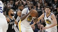 Pertandingan kelima antara Golden State Warriors melawan San Antonio Spurs di ORACLE Arena dalam NBA Play-Off 2017-2018 (Foto: AP Photo/Darren Abate)