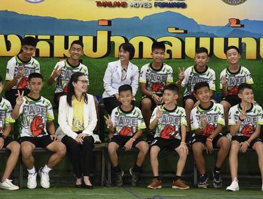Tim Sepak Bola Remaja Thailand Keluar RS