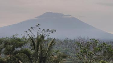 Gunung Agung erupsi lagi