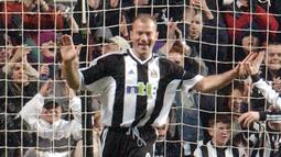 1. Alan Shearer (260 gol) - Hingga saat ini Alan Shearer merupakan pemain yang paling banyak mencetak gol di kompetisi Liga Inggris sepanjang sejara. Shearer menjadi predator paling ganas di Liga Inggris dengan koleksi 260 gol. (AFP/Paul Barker)