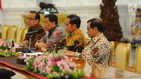 Presiden Joko Widodo menerima kedatangan Dewan Pengarah Badan Pembinaan Ideologi Pancasila (BPIP) di Istana Merdeka, Jakarta, Kamis (9/5/2019). Dalam pertemuan tersebut,  Jokowi didampingi Menko Polhukam Wiranto, Mensesneg Pratikno dan Sekretaris Kabinet Pramono Anung. (Liputan6.com/Angga Yuniar)