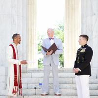 Ilustrasi pernikahan sesama jenis | Via: boredpanda.com